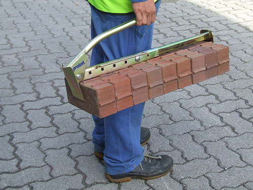 Brick-handle lifting a large amount of bricks with ease paving tools