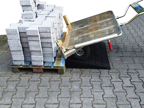 Paver-Transport-Cart lifting bricks easily