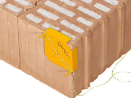 String-Tight-System being used to align the bricks